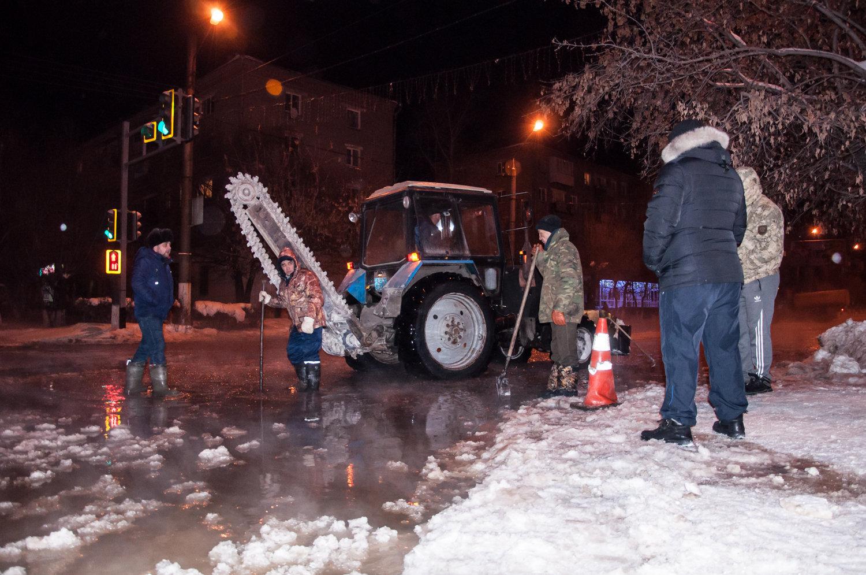 Порыв на водопроводе в центре Петропавловска