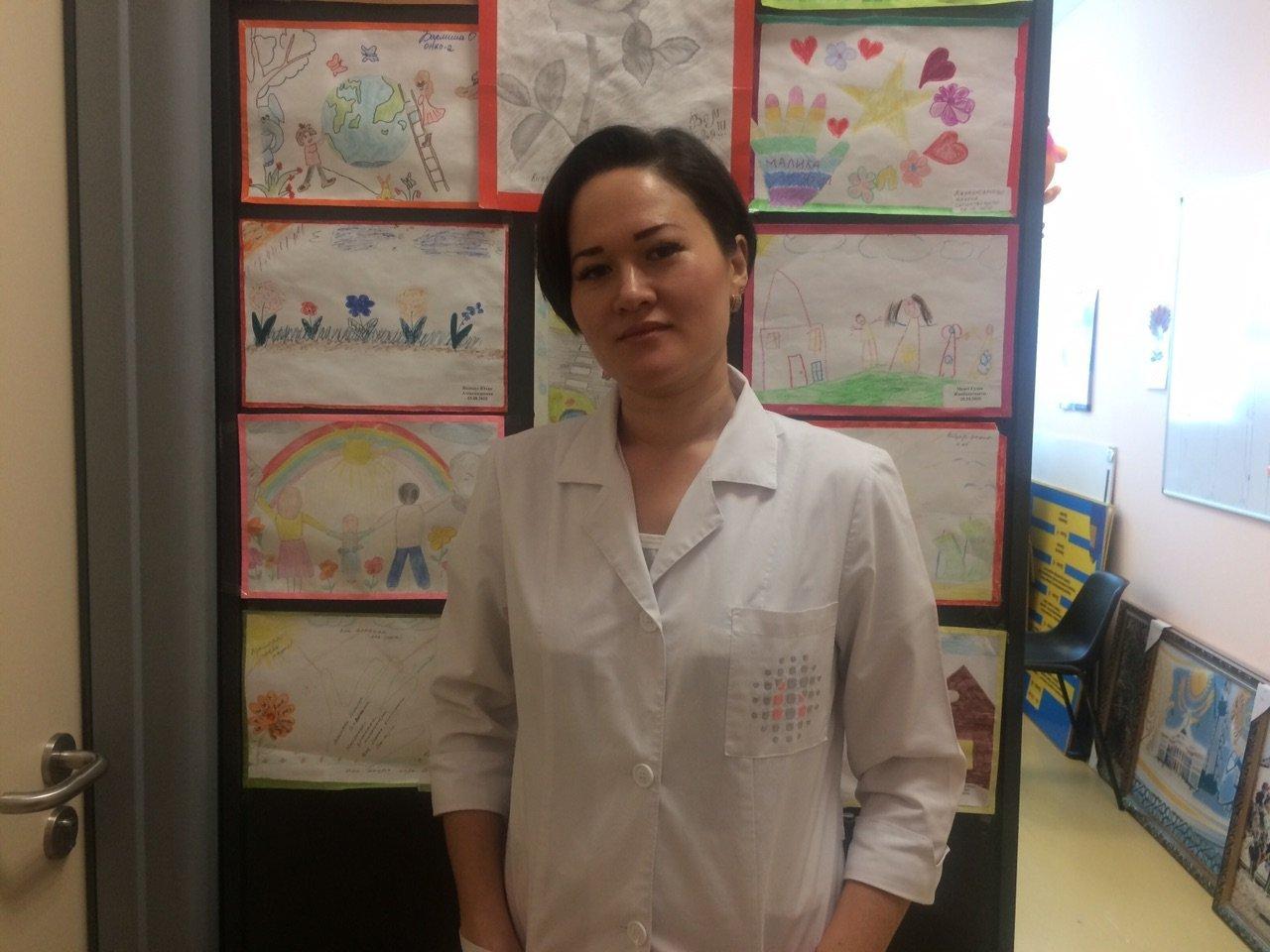 Социальный работник отделения онкологии центра материнства и детства Алия Сапуанова