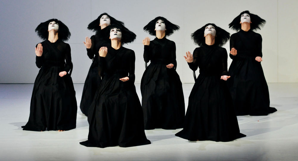 Весь мир - театр: смотрим онлайн-трансляции лучших оперных и театральных постановок