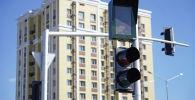 Светофоры на дороге, архивное фото