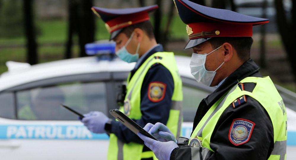 Алматы полицейлері, архивтегі фото