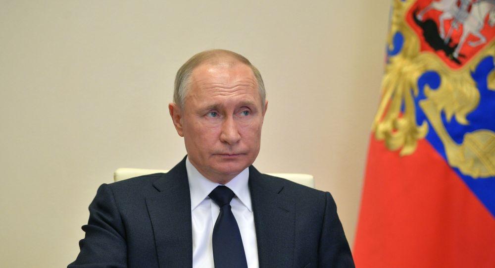 Владимир Путин провел совещание с членами правительства России