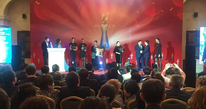 Астанада Халық сүйіктілері марапатталды