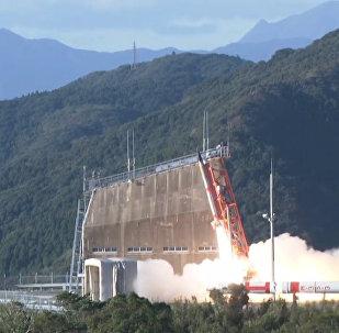 Кадры запуска самой маленькой ракеты в мире