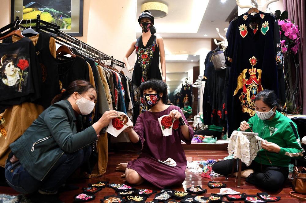 В мастерской вьетнамского дизайнера Do Quyen Hoa