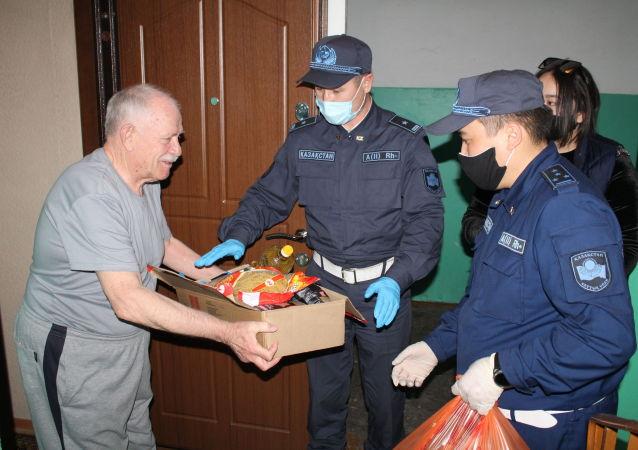 Нацгвардия оказала социальную помощь 400 семьям