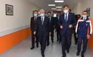 Президент Казахстана посетил модульную инфекционную больницу в Нур-Султане