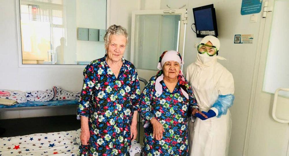В Нур-Султане 93-летняя жительница дома престарелых победила коронавирус