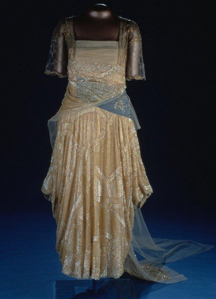 На балу Флоренс Гардинг появилась в платье от дизайнера Гарри Коллинза