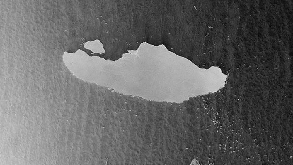 New footage taken on Thursday (April 23) by the European Space Agency's Sentinel-1 satellite shows that the behemoth berg, named A-68, just shed an enormous chunk of ice measuring 67.5 square miles (175 square kilometers) while drifting into increasingly warm waters north of the Antarctic Peninsula.