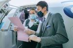 Экипаж сверяет списки пассажиров рейса Алматы - Нур-Султан