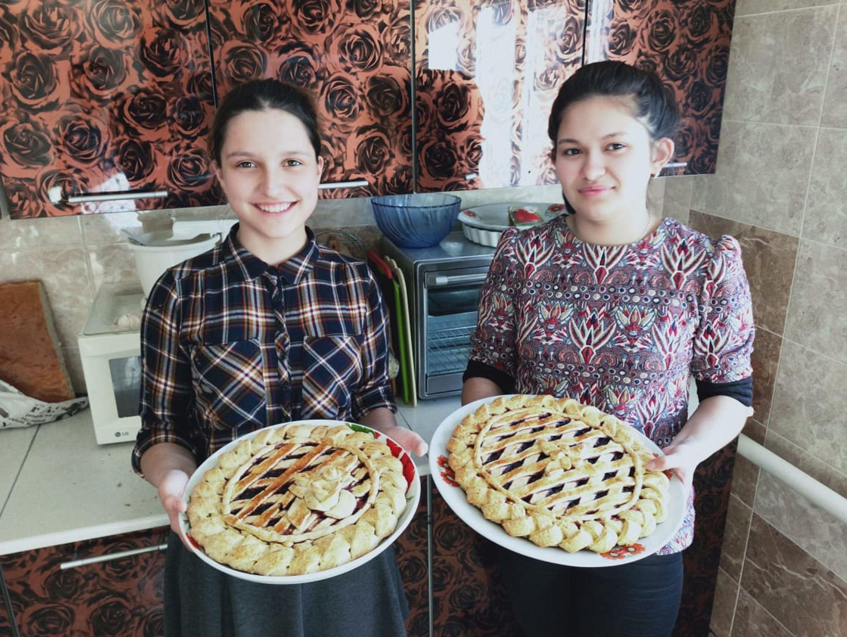 Красиво и вкусно: вот какие пироги пекут дочери в семье Кабылбаевых