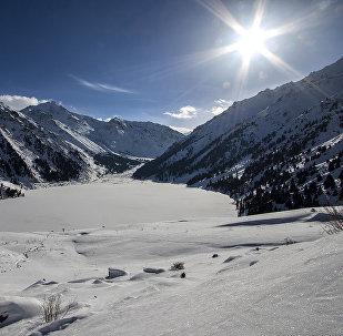 В горах близ Алматы