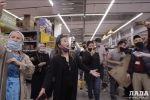 Флешмоб в честь Дня Победы в гипермаркете в Актау
