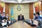 Председатель сената парламента Маулен Ашимбаев на заседании бюро палаты