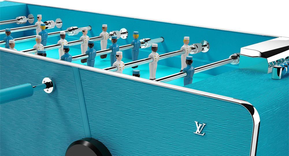 Louis Vuitton выпустил настольный футбол