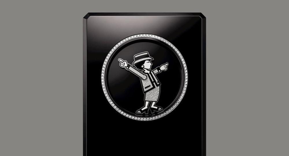 Дом Chanel выпустил часы с изображением Габриэль Шанель