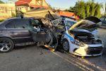 Машина протаранила полицейское авто на блокпосту в Алматы