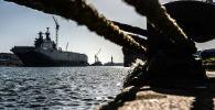 Универсальный десантный корабль Владивосток класса Мистраль, архивное фото