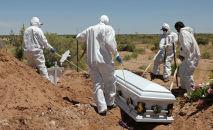 Захоронение скончавшегося от коронавируса