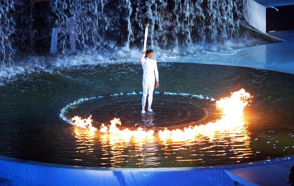 Зажжение огня Олимпиады 2000 года Сиднее, архивное фото
