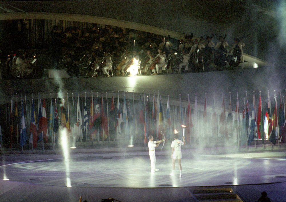 Зажжение Олимпийского огня в Барселоне, 1992 год, архивное фото