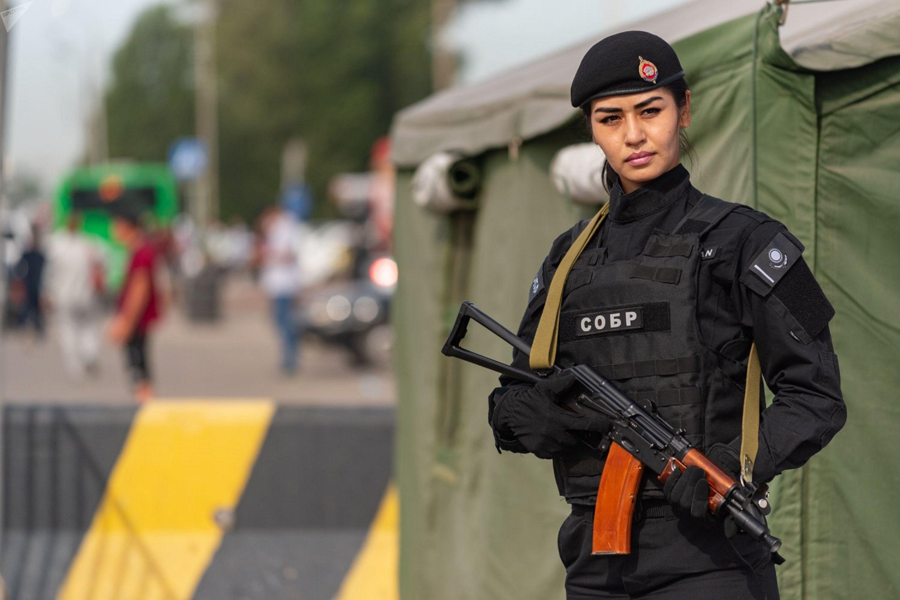 Работа девушек казахстан работа с проживанием в питере для девушек