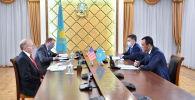 Спикер сената Казахстана Маулен Ашимбаев встретился с послом США
