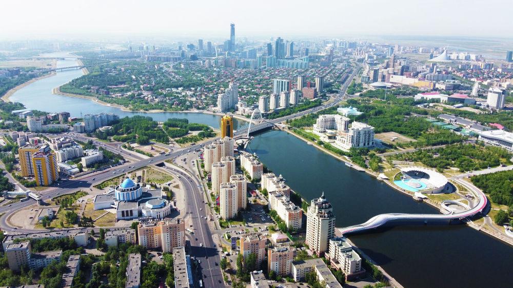 Нур-Султан, виды города, мосты через реку Есиль