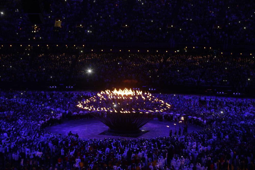 Зажжение огня Олимпиады 2012 в Лондоне