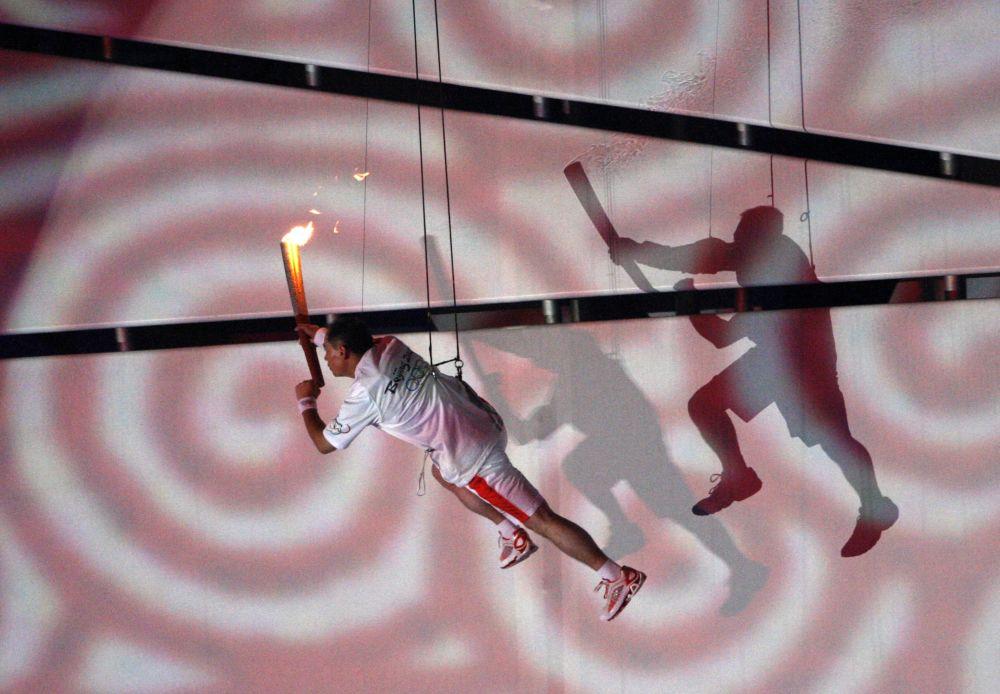 Зажжение огня Олимпиады 2008 в Пекине