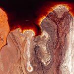 Неміс фотографы Kevin Krautgartner-дің Боксит кеніші – алюминий бұлағы туындысы. Ол Менің планетам. Суреттер сериясы санатында Андрей Стенин атындағы конкурстың қысқа тізіміне енген.