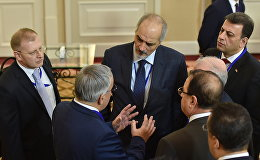 Сирия үкіметтік делегациясының жетекшісі, Сирияның БҰҰ жанындағы тұрақты өкілі Башар Джаафари келіссөздер қарсаңында
