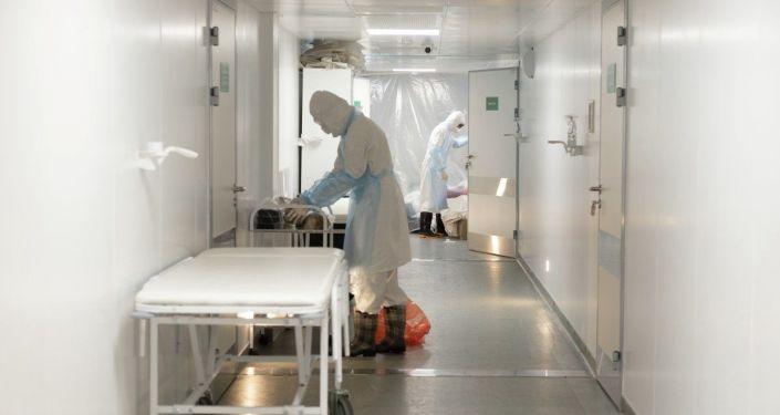 В каждом отделении есть комнаты для врачей, где они могут отдохнуть и поесть