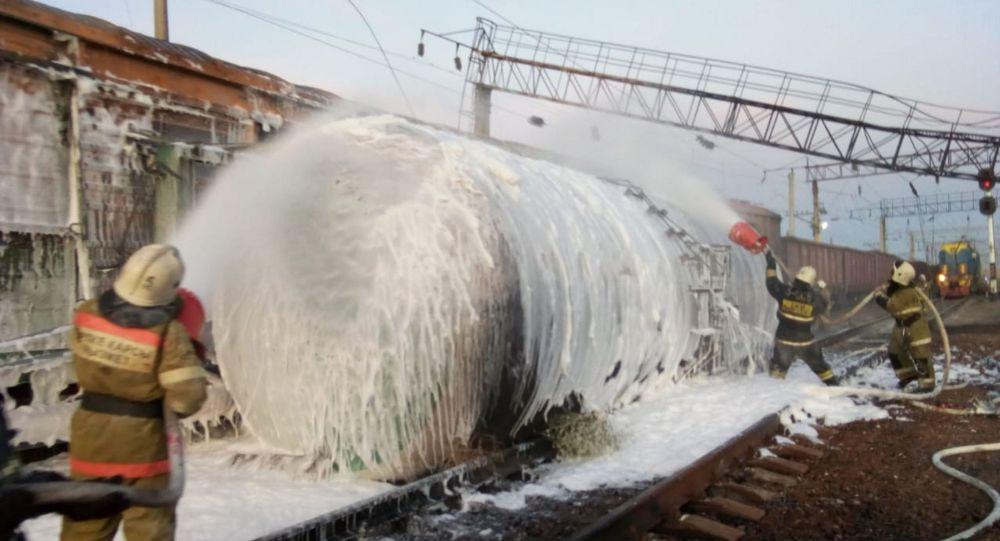 Из-за пожара повреждено 75 метров железнодорожного полотна