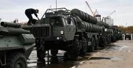Транспортно-пусковые установки зенитного ракетного комплекса С-400 Триумф