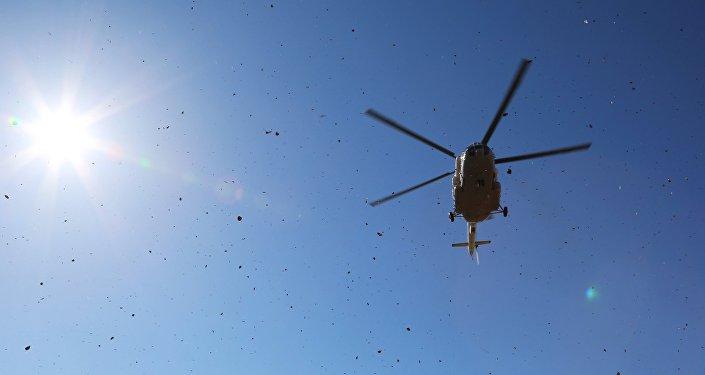 Cотрудники экстренных служб ищут пропавший вертолет вВосточном Казахстане