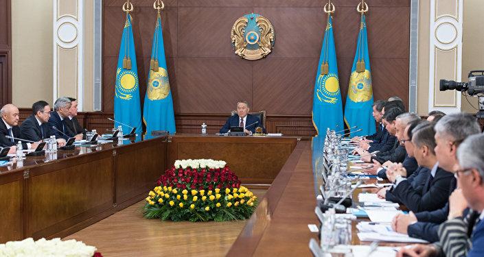 Ерлан Сагадиев поведал Главе государства об результатах деятельности министерства за2016 год