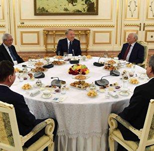 Нұрсұлтан Назарбаевтың жұртшылық және зиялы қауым өкілдерімен, саяси қайраткерлермен кездесуі