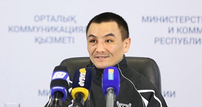 Боксер-профессионал Жанат Жакиянов