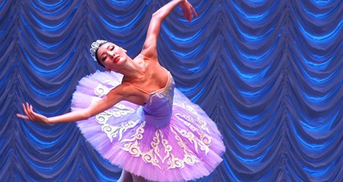 Танцоры балета из Азии и Европы сошлись на конкурсе в Астане