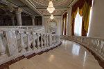 Лестница национального академического театра оперы и балета Астана Опера