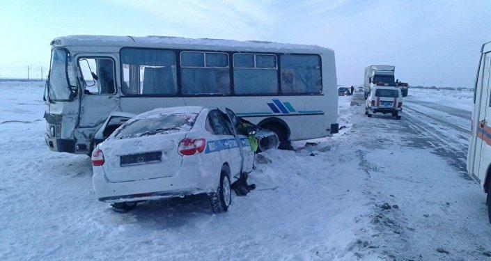ДТП с участием детского автобуса в Павлодарской области