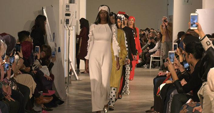 Показ мод для мусульманок в Лондоне
