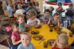 Архивное фото детей в детском саду