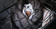 Архивное фото новорожденного