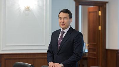 Алихан Смаилов, архивное фото
