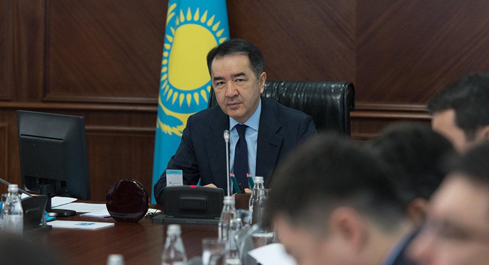 """""""Халық түсінбей отыр"""": Сағынтаев жұмысына көңілі толмаған министрлерге шүйлікті"""