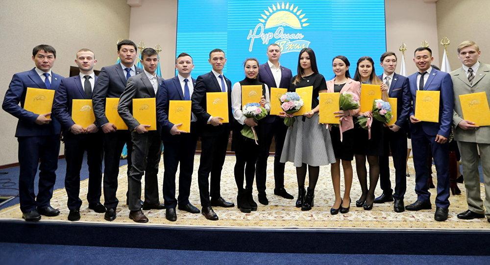 Ряды партии Нур Отан пополнились новыми членами