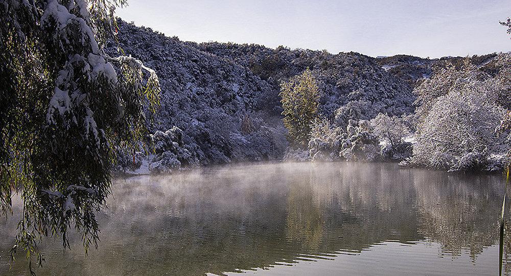 Весенний туман над рекой, фото из архива